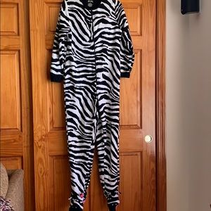 Nick and Nora Women's S One-Piece Footed Zebra PJs